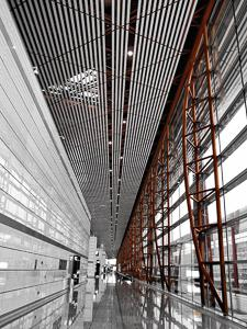 Photography composition Rule of leading lines - airport