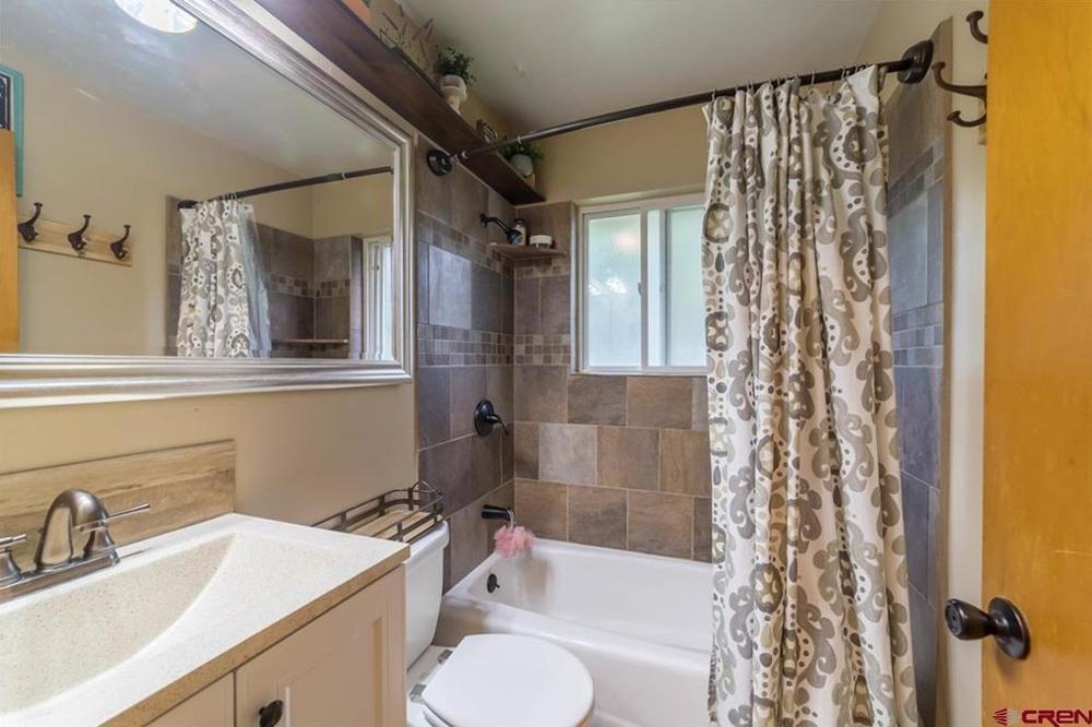 Home Stay Montrose Colorado - Bathroom