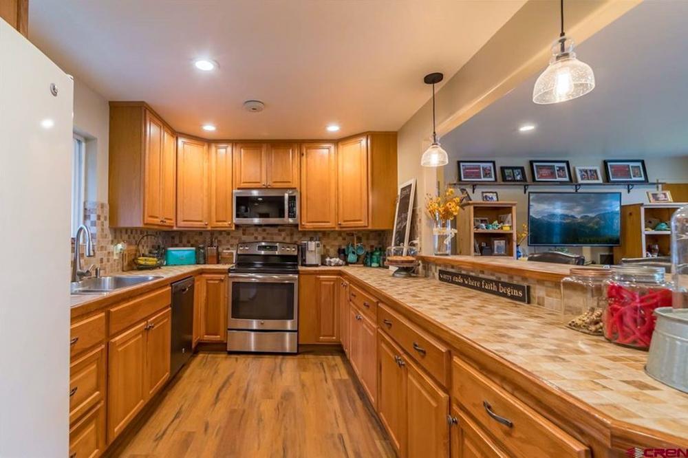 Home Stay Montrose Colorado- kitchen